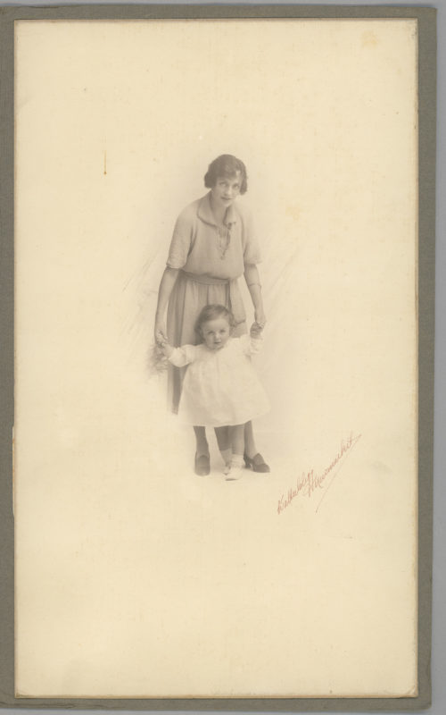 Lady Allen with Peter as a child 2018.238.27