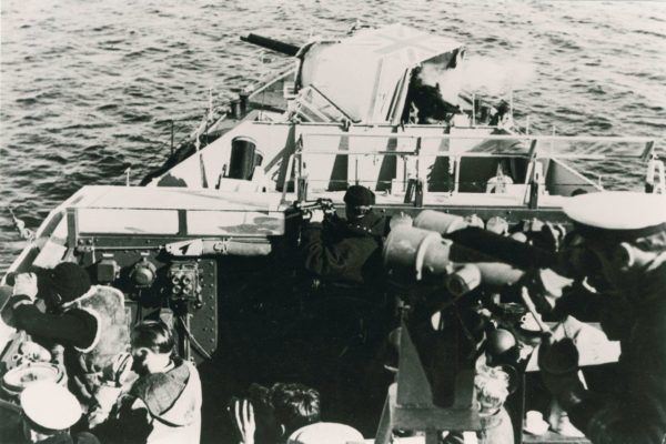 HMNZS Taupo 4 inch gun bombardment, Korea AAS 0014
