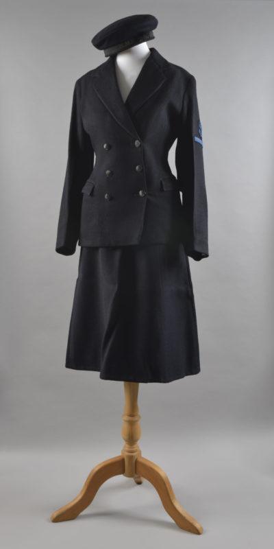 L/Wren Patricia Rowe's uniform CAQ 0001 CEC 0002