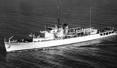 HMNZS Lachlan in RNZN service [RNZN Museum]