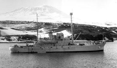 HMS Endeavour I [RNZN Museum]
