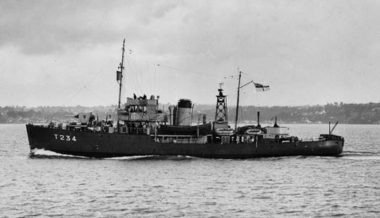 HMNZS Tui in late 1944 (RNZN Museum ABL 0043)