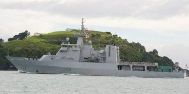 HMNZS Wellington first arrival into Devonport Naval Base